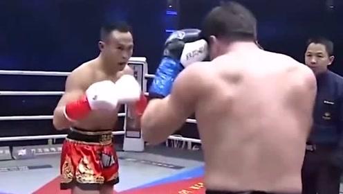 外国拳手下狠手给对手揍出大包,惹怒对手随后被暴揍KO