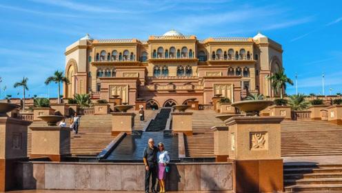全球唯一一座八星级酒店,投资了30亿美元,光装修就花了40吨黄金