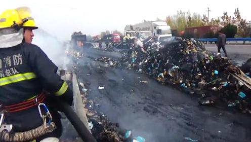 你的双十一快递可能被烧没了!装有13吨快递的货车在高速上起火
