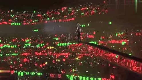 陈情令国风演唱会:肖战演唱《曲尽陈情》气场全开,现场超稳!