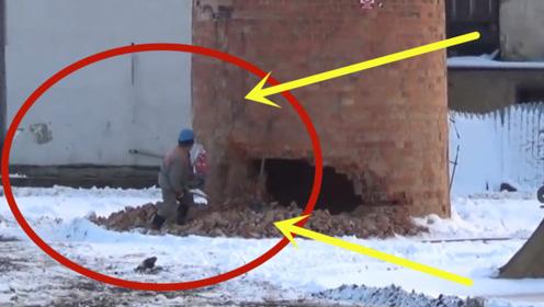 可怕!男子一人挑战拆除百米高烟囱,跑开那一瞬间太惊险了!