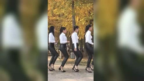 皮裤四姐妹又来尬舞了,从左数,你喜欢第几个