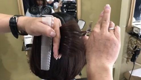 百搭又减龄的短发波波头,用这样的手法剪,快速又方便