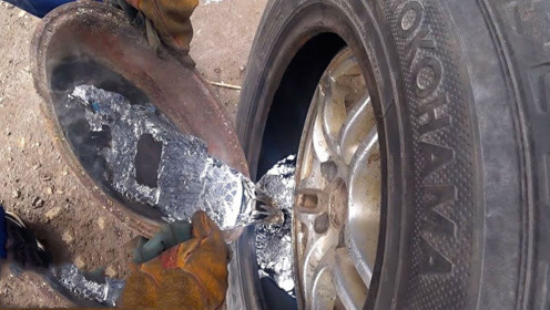 作死的汽车测试!轮胎中灌上20公斤铅,看他怎么行驶?