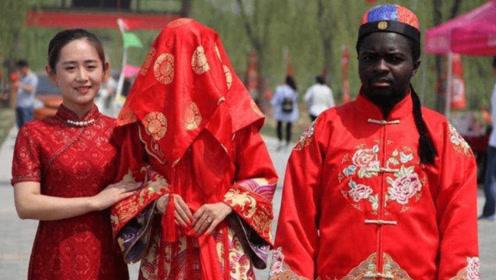 中国姑娘嫁黑人,还不到5个月感觉身体不适,检查后医生无语了
