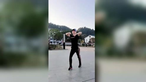 广场鬼步舞教学,初级动作一看就会