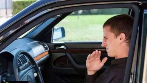 车子停久了尾气味特别大?积碳太多吗?老师傅告诉你真相