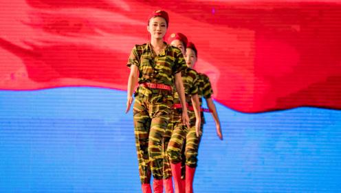 东莞观音山舞蹈《潇洒女兵》,铿锵玫瑰再现