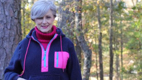 60岁阿姨太会穿,5套冬季穿搭超靓眼,不惧岁月