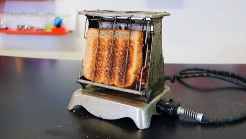 老外找到6款你没见过的旧式热面包机,试过后发现一个共同弱点
