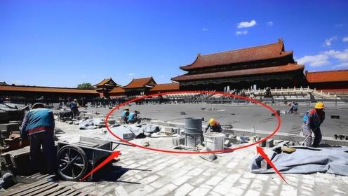 故宫修缮地板,工人发现在地板下的秘密,才知皇帝有多狠心!