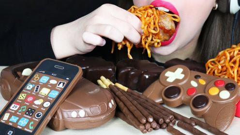 妹子吃巧克力大餐,趣味造型带来极致丝滑,馋得人忍不住流口水!