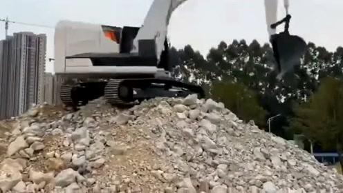 纯电动挖掘机要来了,你的柴油挖掘机还能用几年。
