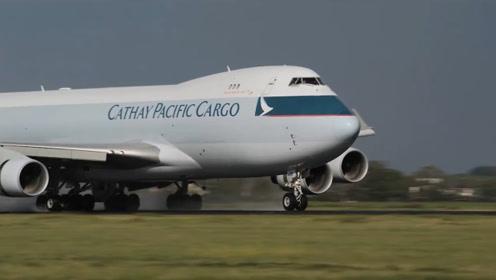 飞机轮胎如何支撑庞大的飞机?拿波音777来举例,看完明白了