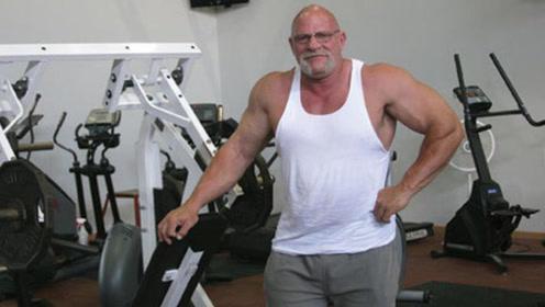 80年代腕力巨兽!如今63岁的他体重300斤,二头肌达到59厘米粗!