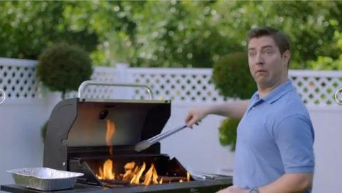 素食主义者闻到肉味起诉邻居,结果3000人要在她家门口烤肉