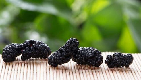 冬季是养肾好时机,少做1件事多吃2种黑色食物
