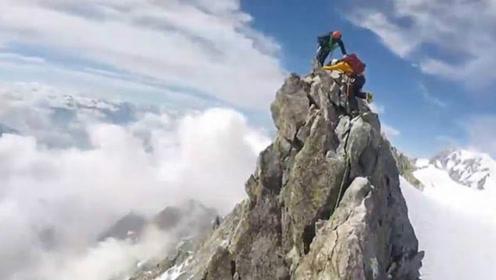 恐高慎入!登山者记录令人眩晕的美景 沿着狭窄山脊攀爬勃朗峰