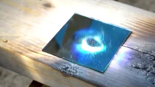 镜子能反射几千度的强光吗?老外实验,还是没有猜到结尾呀