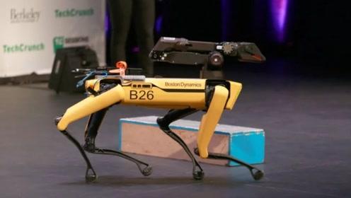 让机器人拥有攻击性!波士顿一公司研发机器狗,将代替警犬出勤