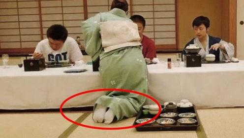 """日本进门前需要脱鞋子,客人""""脚臭""""怎么办?看完你就懂了"""