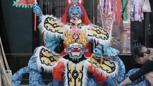 中国人烧给逝者的祭祀纸扎进法国博物馆,老外:中国人太浪漫
