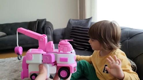 小孩的新拆箱玩具