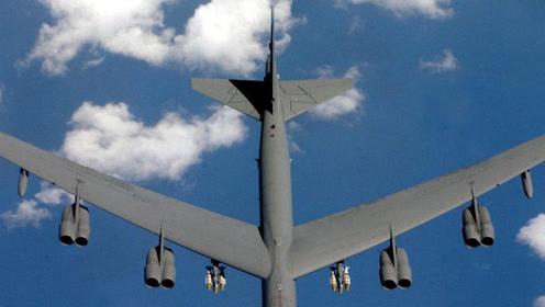 这下损失大了!飞行员驾驶84吨轰炸机空演,几秒后倾斜90度坠地