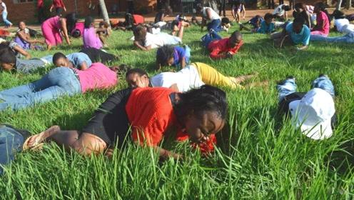 """全球最贫穷的地区,不种粮食专吃""""草药"""",一天不吃浑身难受!"""