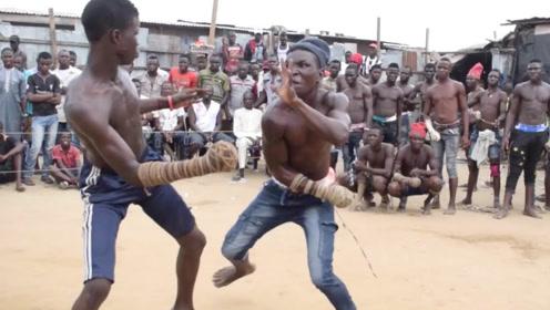 非洲最原始的拳击比赛,条件简陋不说,动作还简单粗暴,长见识了