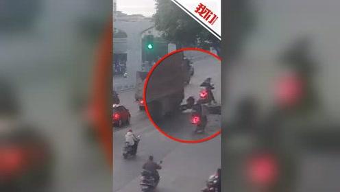 神反应!男子倒行驶的货车前险被碾压 一个迅速挺身逃过一劫