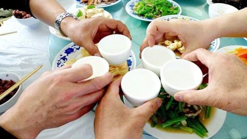 中国最能喝酒的三个省份 一天喝掉1400吨成全国之最
