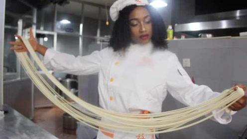 非洲女硕士做拉面30秒出1碗:比学汉语难,回国开家拉面馆