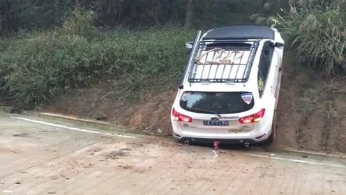 老司机开国产车爬山,这动力简直没得挑了,支持中国制造!