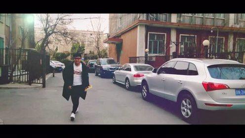 你们去美国纽约,好妹妹在北京扭腰