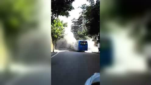 奉节公交车自燃