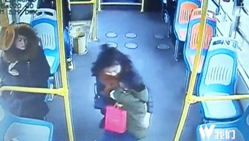 母亲自己不慎致孩子撞公交扶手 家属竟开车围堵公交车