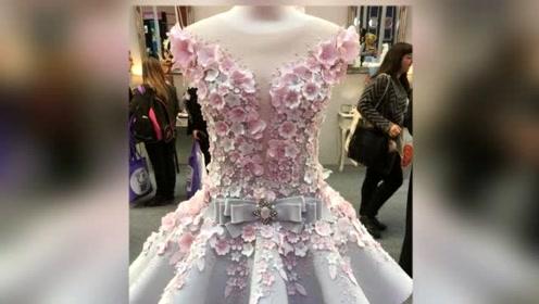 美国女孩制作了一件婚纱美轮美奂 但世界上没有一个人能穿上它