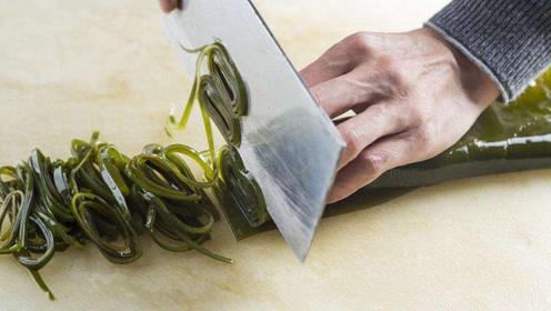 知道切菜时菜为什么会黏在刀上吗?一根牙签就可以搞定,方法很简单
