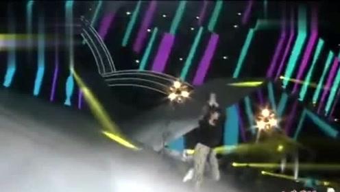宋茜的舞蹈功底有目共睹,性感美女柳岩舞台大跳拉丁惊艳全场!