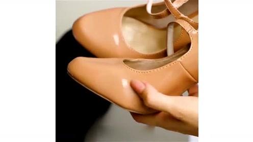 10个生活创意想法!鞋子上有划痕怎么办?只需一招就复原!