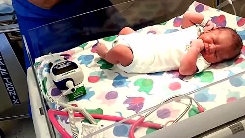 医生给新生儿打针,孩子撕心裂肺的哭声,看着好心疼!
