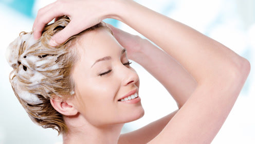 为什么3天没有洗头之后,用洗发水洗头会搓不出泡沫来呢?