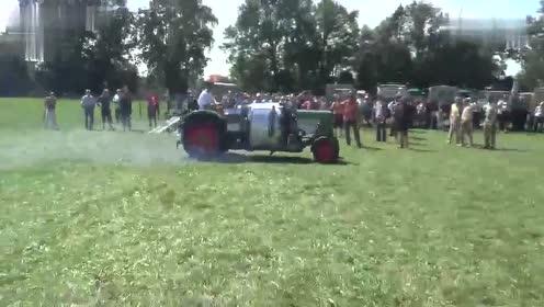 拖拉机上安装这么大的发动机太浪费能量了吧