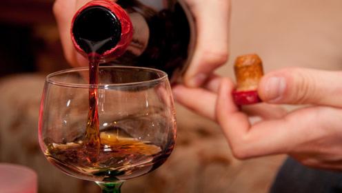 医生劝告:喝酒千万不要做这3件事,后果让你无法承担