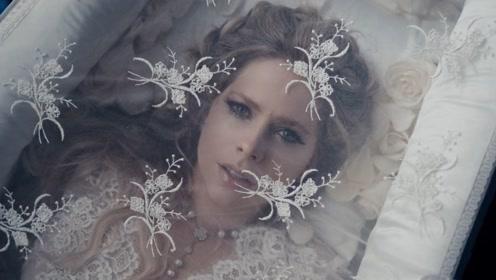 艾薇儿单曲《我爱上了Devil》官方MV