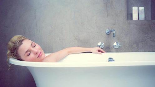 夏天洗澡有3个禁忌,希望你尽量改正,不然会加重体内湿气