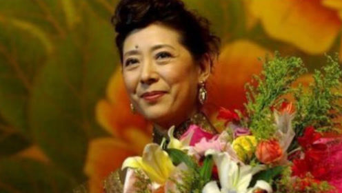 她是国家一级演员,曾两次拒绝美国绿卡,如今66岁成为人生赢家