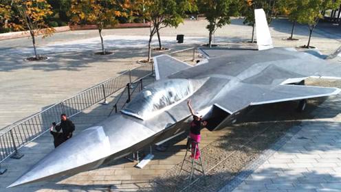 中国最新一代战机,性能不逊于歼-20,美国表示赶不上
