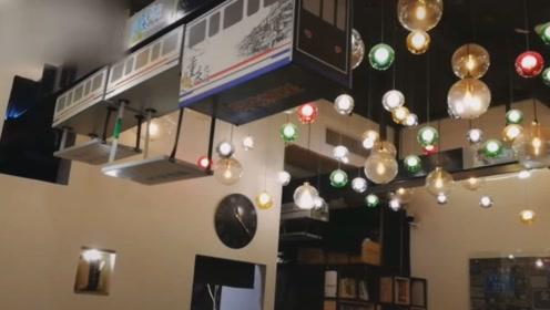 探秘重庆神奇餐厅,传菜方式如此魔幻,引无数游客前来体验